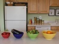 Недорогая мебель на кухне