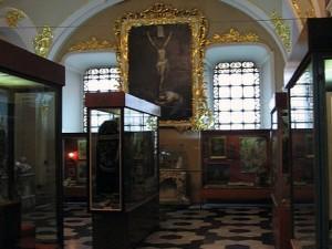 Музей истории религии во Львове. Зал, посвященный католицизму