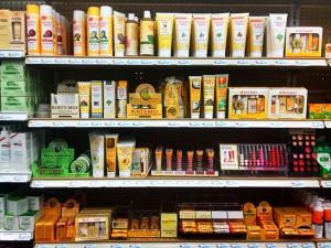 В магазине натуральной косметики