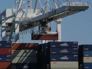 Погрузка контейнеров в порту