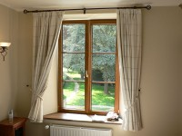 Карниз со шторами. Фото - Nieuw