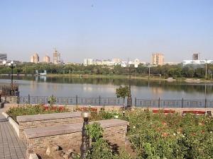 Вид на Донецк из парка Щербакова. Фото Andrew Butko