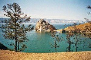 Скала Шаманка на острове Ольхон на Байкале. Фото Kirsten Buerger