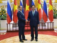 Председатель Правительства Российской Федерации Дмитрий Медведев с Премьер-министром Социалистической Республики Вьетнам Нгуен Тан Зунгом. Фото с официального сайта Правительства России